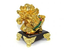 Golden Pak Choy with Ruyi and Coins