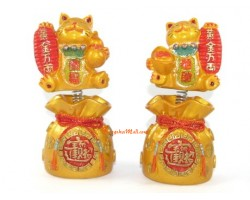 Springy Pair of Wealth Beckoning Fortune Cat