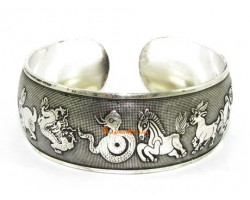 Chinese 12 Zodiac Animals Cuff Bracelet