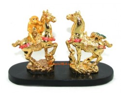 Fly on Horse and Monkey with Peach on Horse