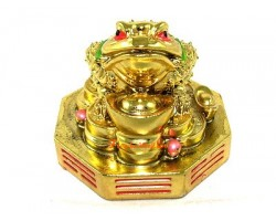 Money Frog on Bagua with Gold Ingot