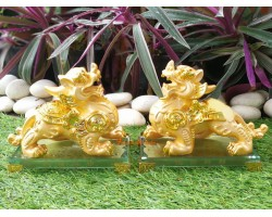 Pair of Exquisite Golden Winged Pi Yao